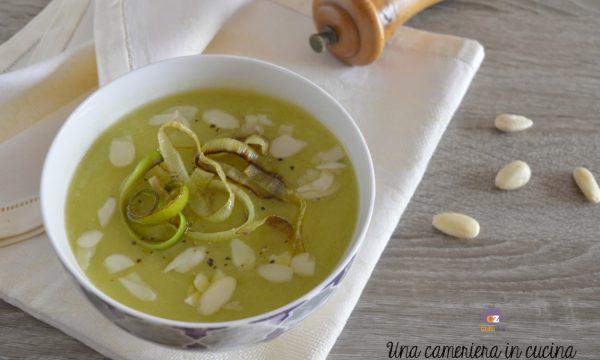 Zuppa di porri patate e mandorle