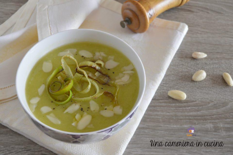 zuppa-porri-patate-mandorle