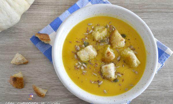 Zuppa di zucca e ceci con semi misti