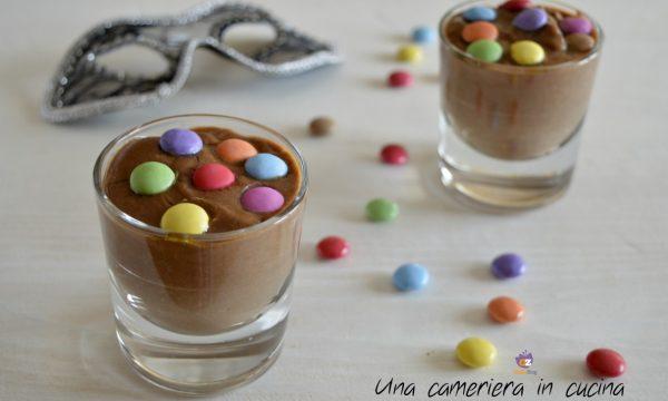 Crema al cacao con coriandoli di cioccolato