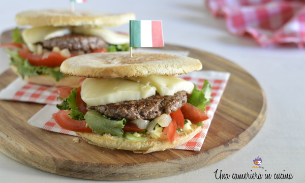 Panino hamburger all'italiana