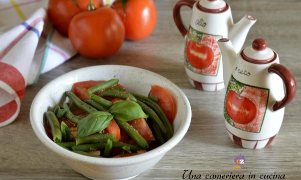 Fagiolini e pomodori in insalata