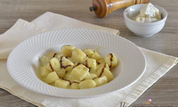 Gnocchi al gorgonzola e glassa al balsamico