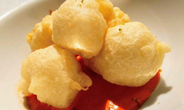 Bocconcini di baccalà con salsa di peperoni