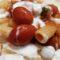 Pasta stracchino, pomodorini e peperoncino