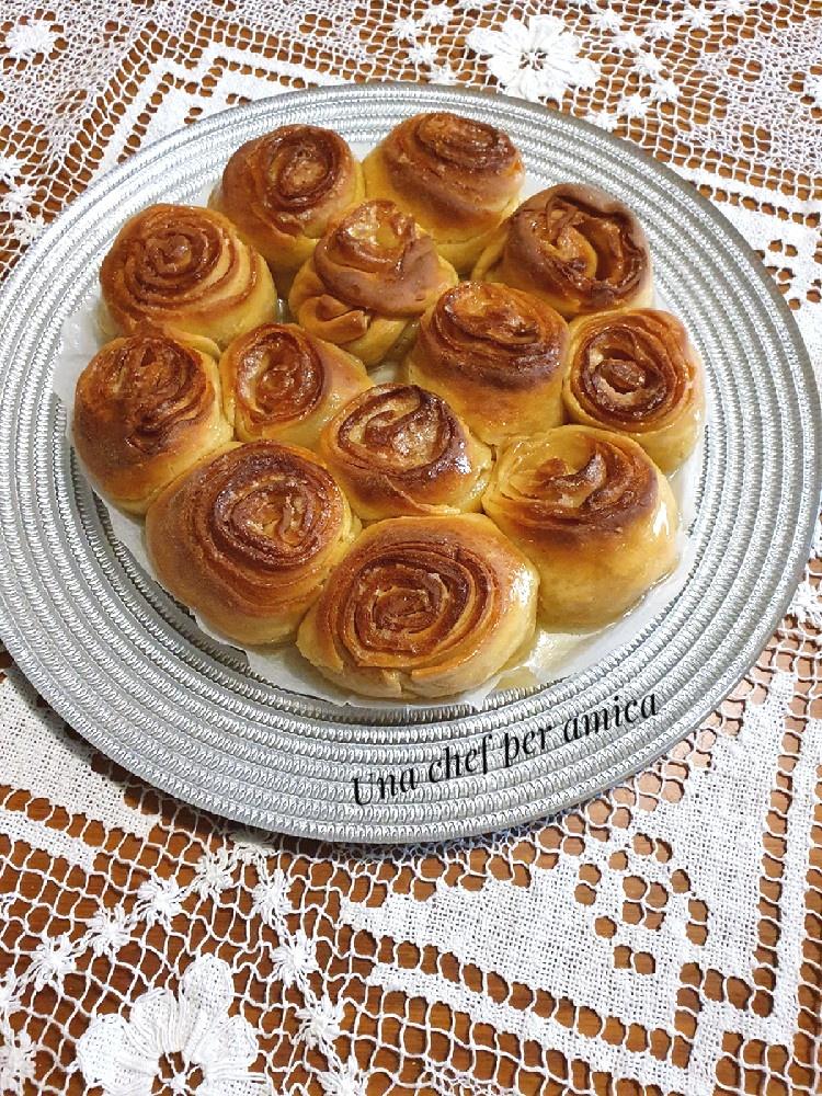 Torta di rose dolce 1