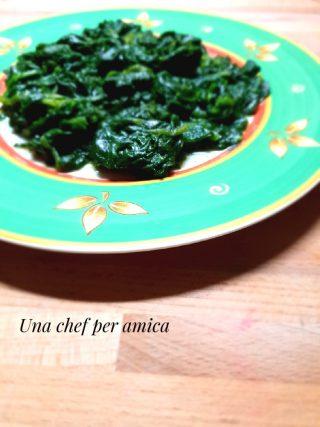 spinaci all'insalata cotti a vapore