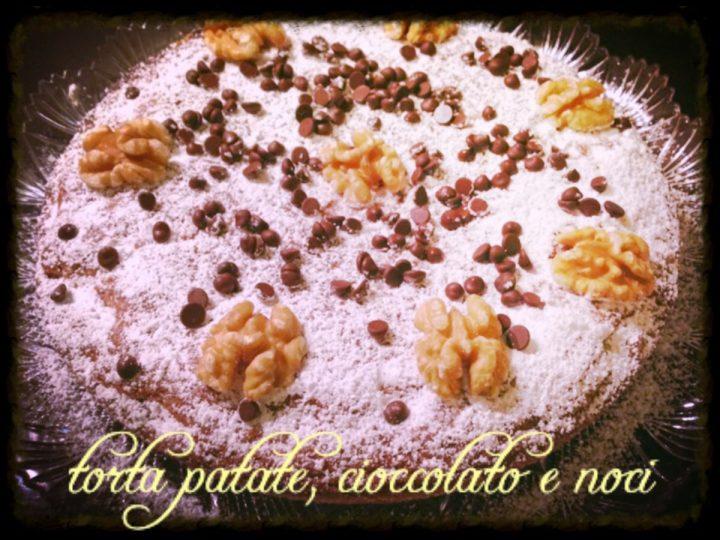 Torta patate, cioccolato e noci