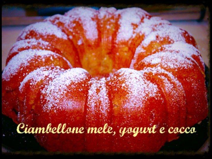 Ciambellone mele, yogurt e cocco