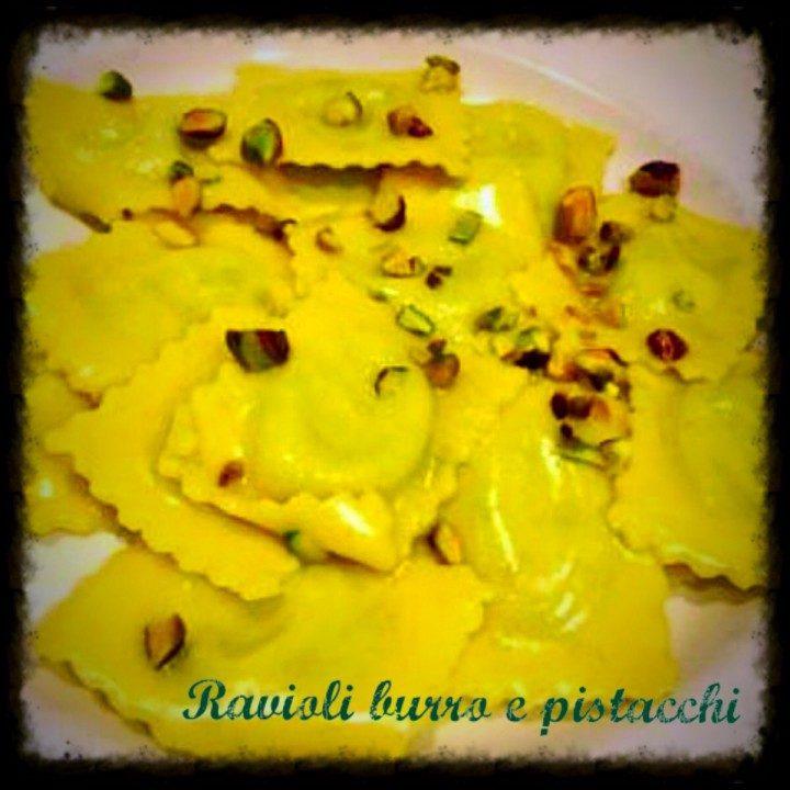 Ravioli burro e pistacchi