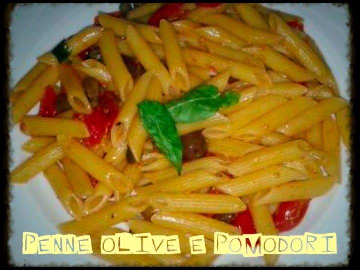 Penne olive e pomodori