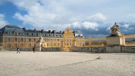 tour parigi e castelli della loira una cucina da single