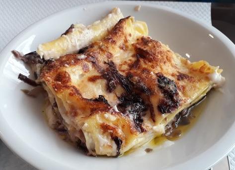 Lasagne radicchio e speck senza besciamella