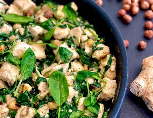 Pollo alle nocciole con spinacini freschi