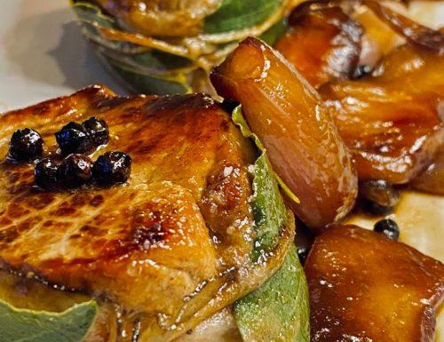 Filetto di maiale con mele e scalogni glassati