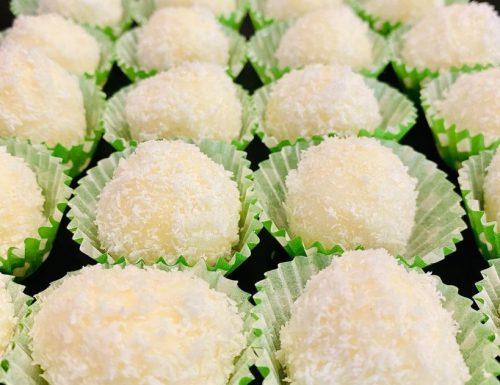 Pasticcini al cocco senza cottura