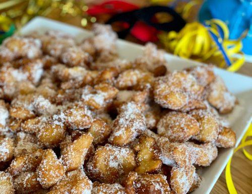 Frittelle di mele di Carnevale
