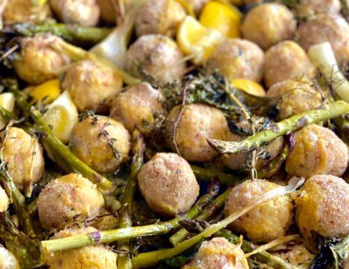 Polpette al forno con asparagi