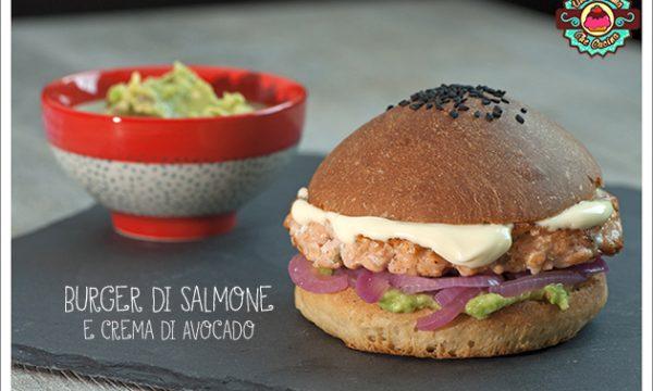 Il mio burger di Salmone e crema di Avocado al Lime per il Club del 27