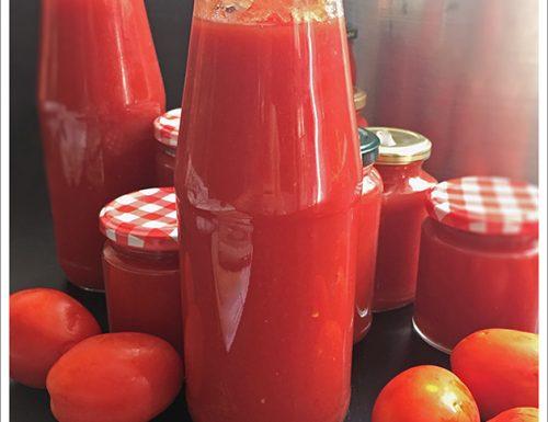 Passata di Pomodoro a crudo con estrattore e Acqua di Pomodoro