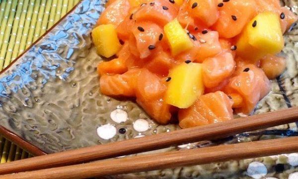 Salmone marinato all'orientale con Papaya e Mango
