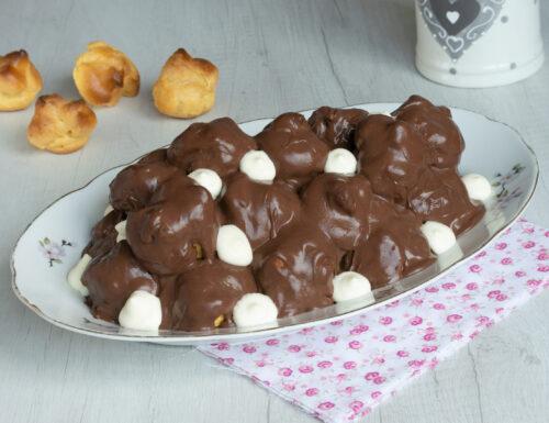 Profitterol con mousse al cioccolato