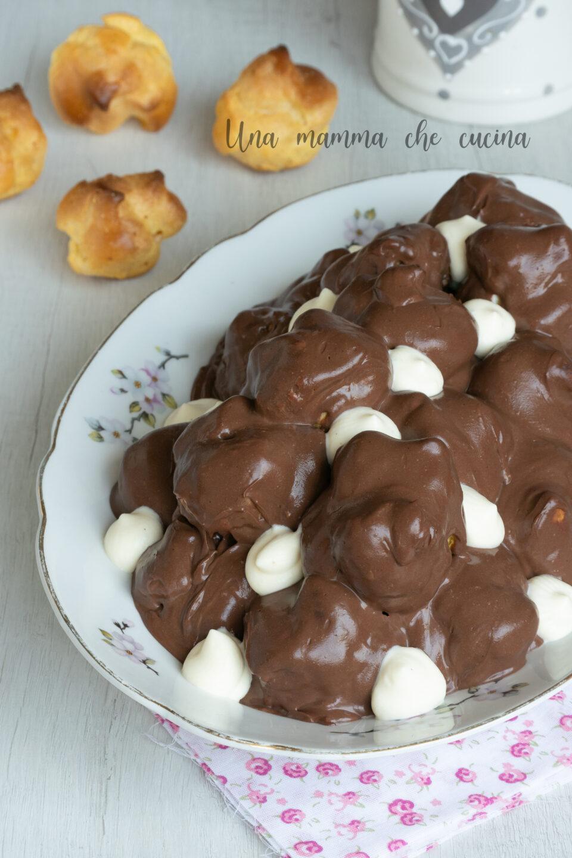 ProfitterolesProfitteroles al cioccolato - ricetta facile al cioccolato