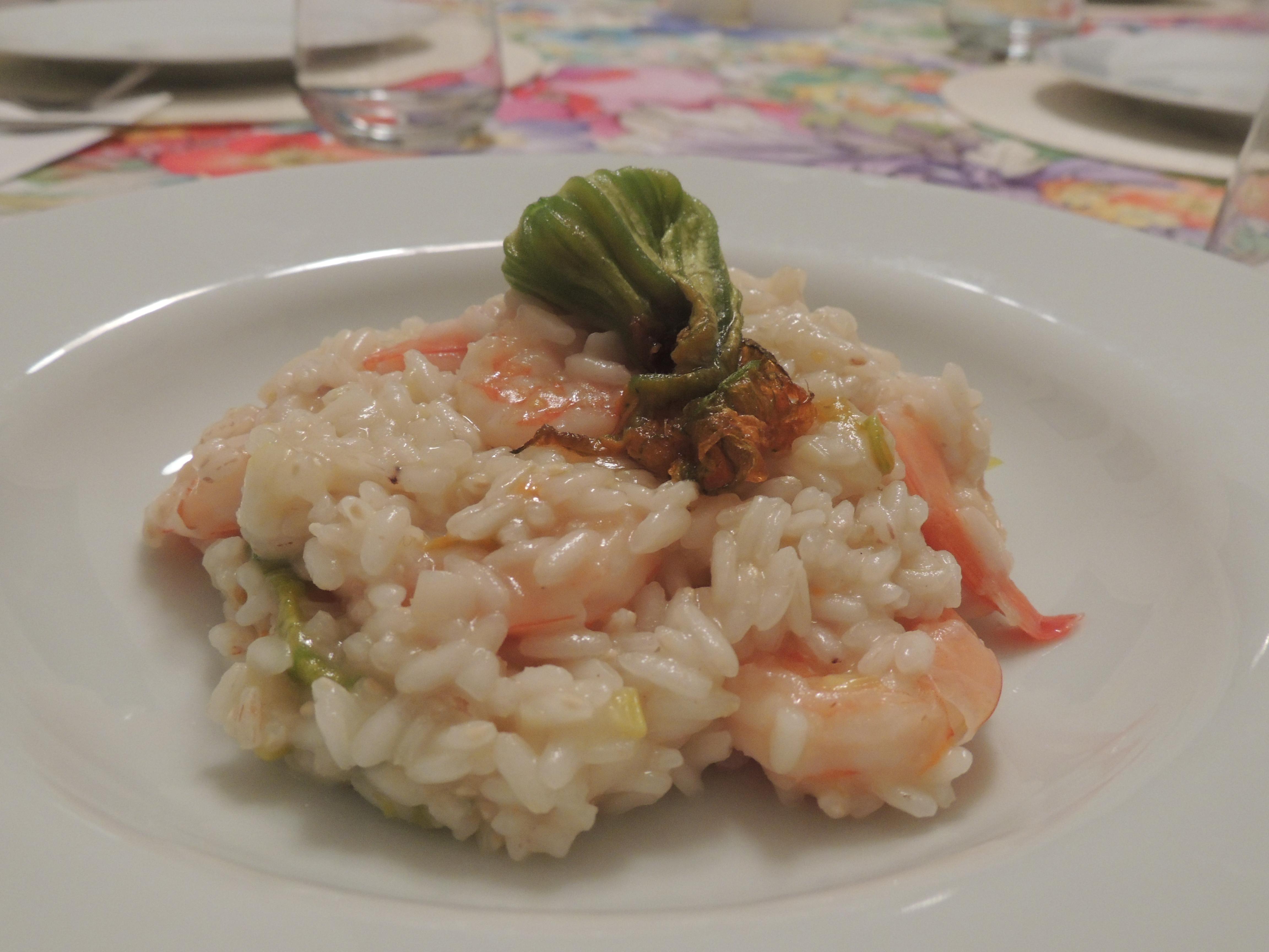 riso con gamberi e fiori di zucca