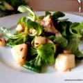 insalata di tacchino, pere e valeriana