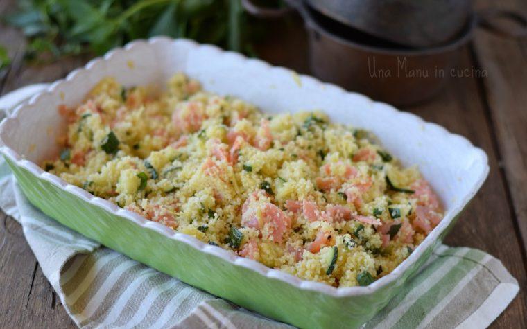 Cous cous profumato con zucchine e salmone