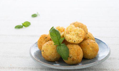 Polpette di patate e salmone - fritte o al forno