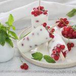 Ghiacciolo allo yogurt e ribes rossi