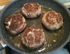 hamburger giapponesi ben rosolati