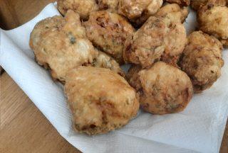 pollo fritto pronto per essere mangiato