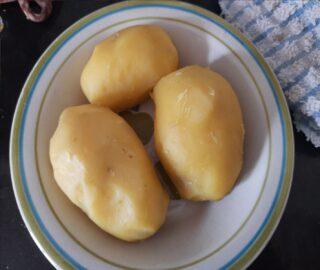 patate lessate e sbucciate