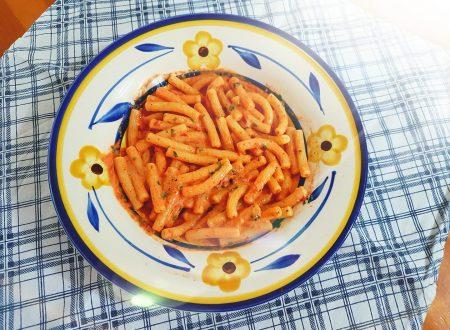 Sedanini con crema di peperoni
