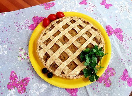 Crostata salata con tonno, ricotta e olive nere