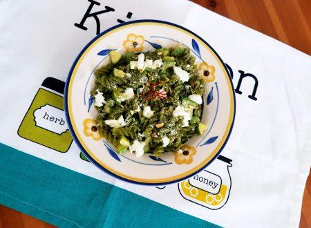 Fusilli verdi alle zucchine, mozzarella e zafferano