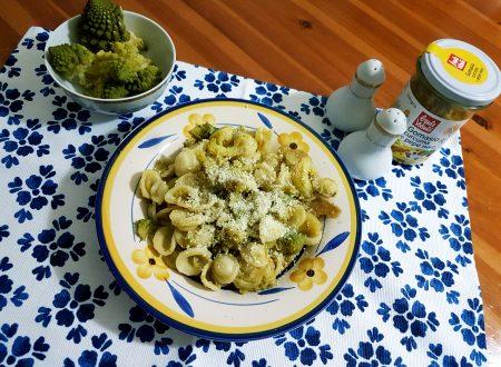 Orecchiette al cavolo romano, olive e pecorino
