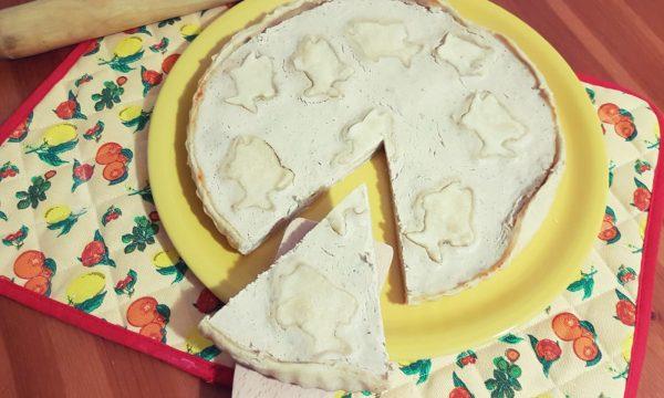 Torta salata con mousse di tonno