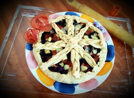Crostata salata al cavolo rosso, emmental e speck