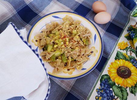 Farfalle asparagi, zucchine allo zafferano e uova