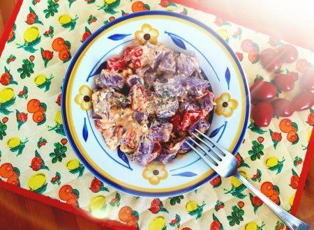 Gnocchi di carote viola con datterini e feta