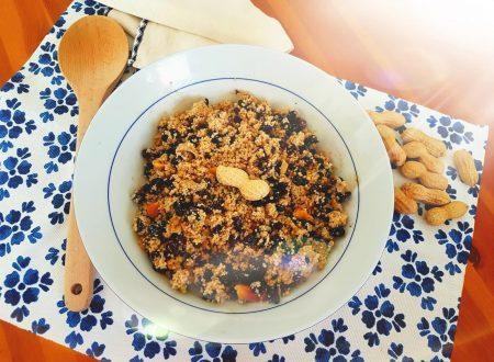 Insalata di cous cous con arachidi e fagioli neri