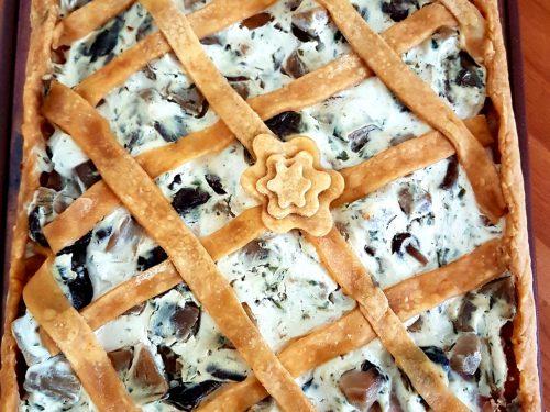 Torta salata ai funghi, ricotta e prosciutto cotto