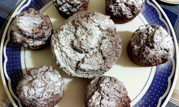 Muffin al cocco e gocce di cioccolato