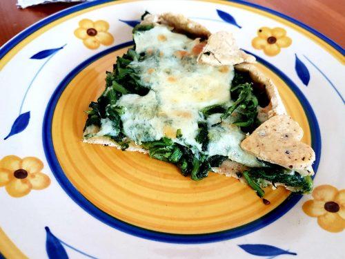 Torta salata alla cicoria e scamorza