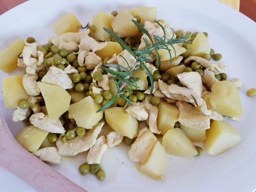 Straccetti di pollo alla senape con piselli e patate