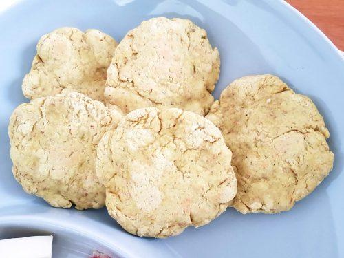 Focaccine in padella con farina di soia