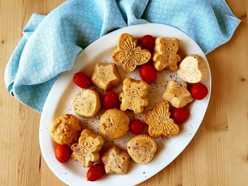 Muffin salati con pomodorini e speck